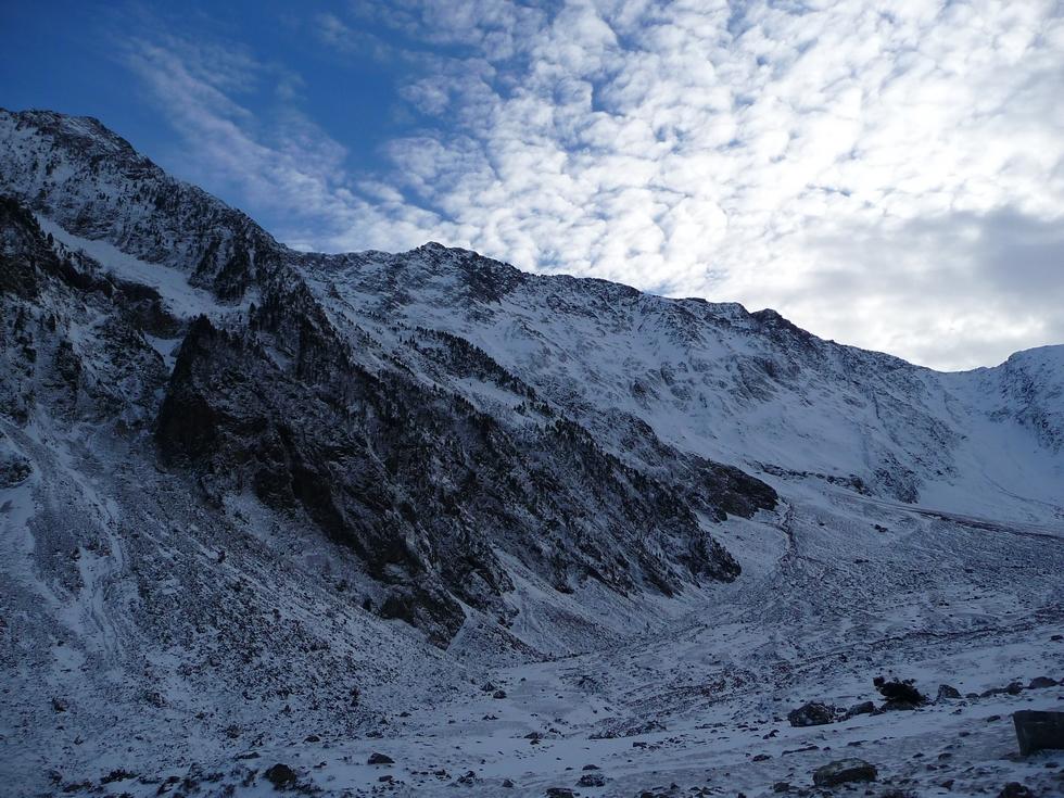 endroit-est-glaciere-en-janvier-balade-dans-vallon-la-pez
