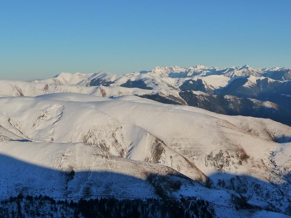 montagne-espiau-sommet-aigle-et-sommet-pouyaue-on-rechausse-raquettes