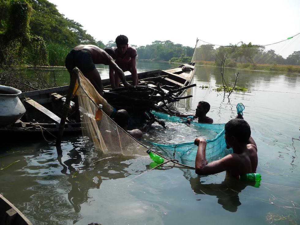 les-crevettes-devraient-etre piegees-a-l-interieur-bangladesh-second-travel-13