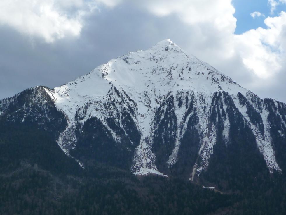 pic-tramezaygues-et-ses-couloirs-avalanches-vus-cet-apres-midi-depuis-piste-aube-le-bout-de-la-piste-aube