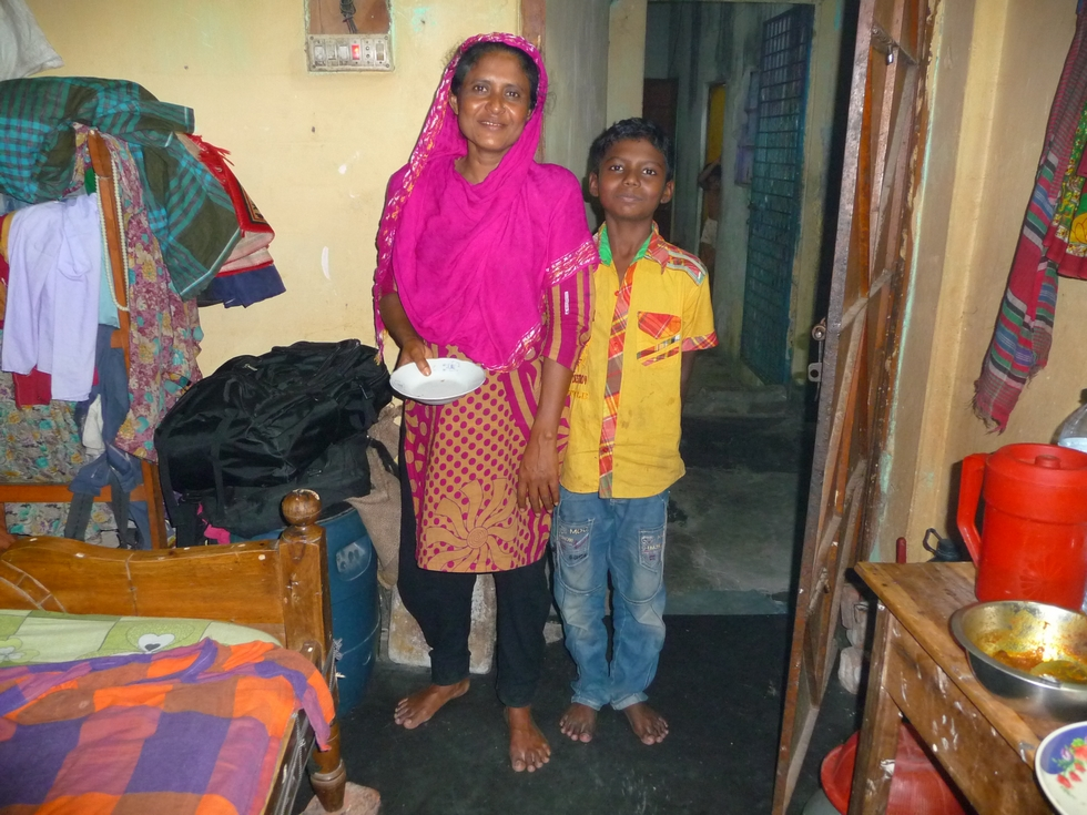 sompa-soeur-kanok-avec-fils-chomapto-a-dacca-bangladesh-third-travel-1
