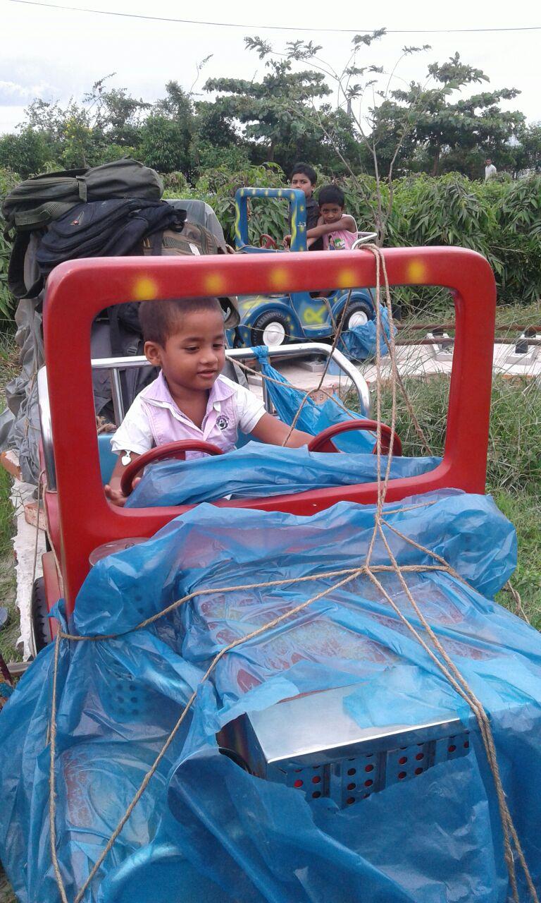 deux-volants-pour-un-seul-petit-chauffeur-news-recentes-amis-bangladesh