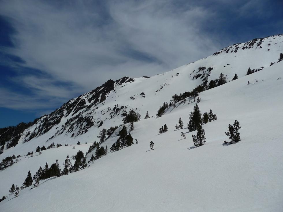 les-versants-nord-restent-bien-fournis-neige-sur-crete-traoues