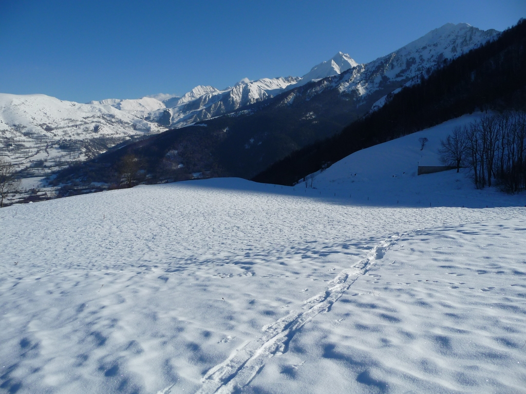 beaux-champs-neige-une-petite-sortie-a-heure-du-gouter-granges-foraines-en-hiver