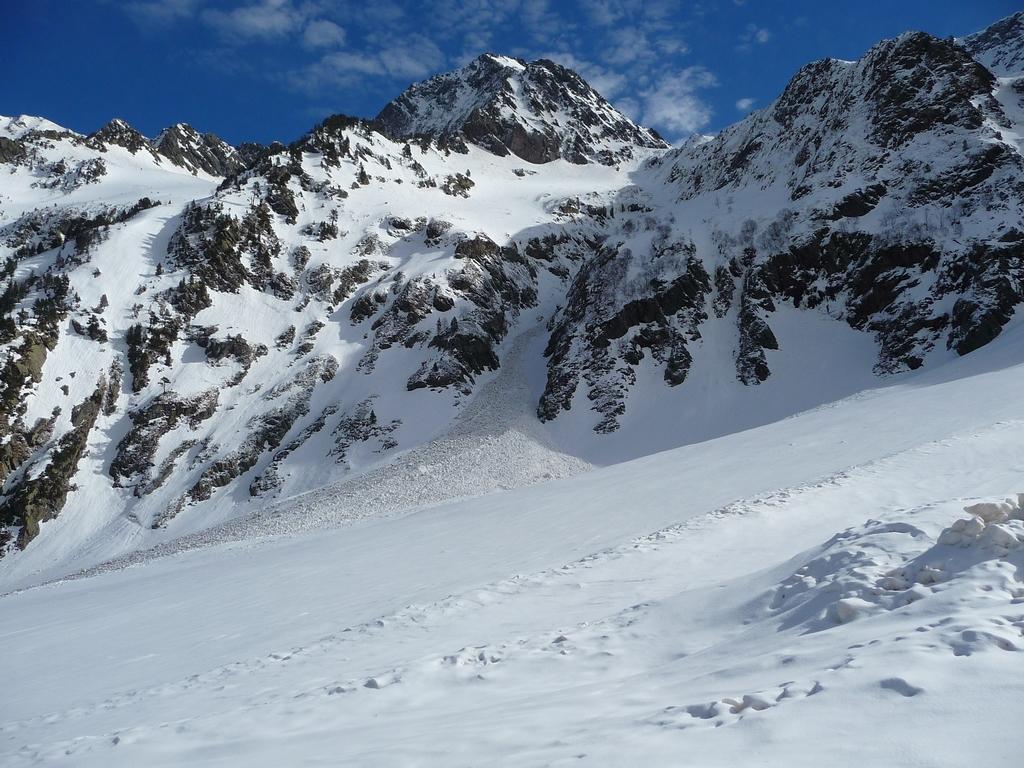 avalanche-partie-sous-pic-hourque-trois-sorties-raquettes-de-la-semaine-2-vallon-de-la-pez