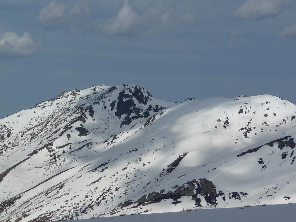 versant-sud-montious-reste-bien-enneige-trois-sorties-raquettes-de-la-semaine-3-sommet-pouyaue