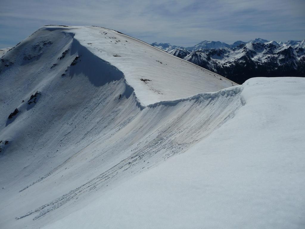 derniers-metres-avant-atteindre-sommet-pebere-au-depart-village-bareilles-sommet-pebere