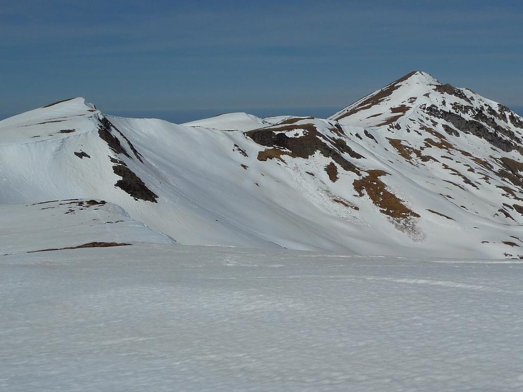 montagne-areng-au-depart-village-bareilles-sommet-pebere