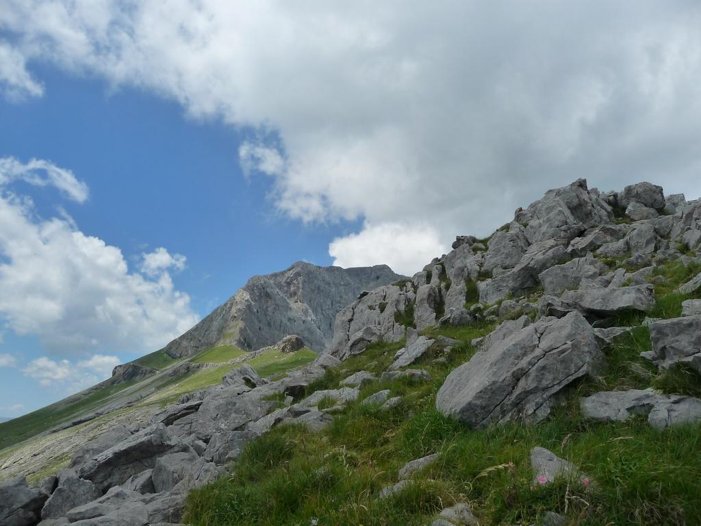 un-monde-calcaire-vers-tella