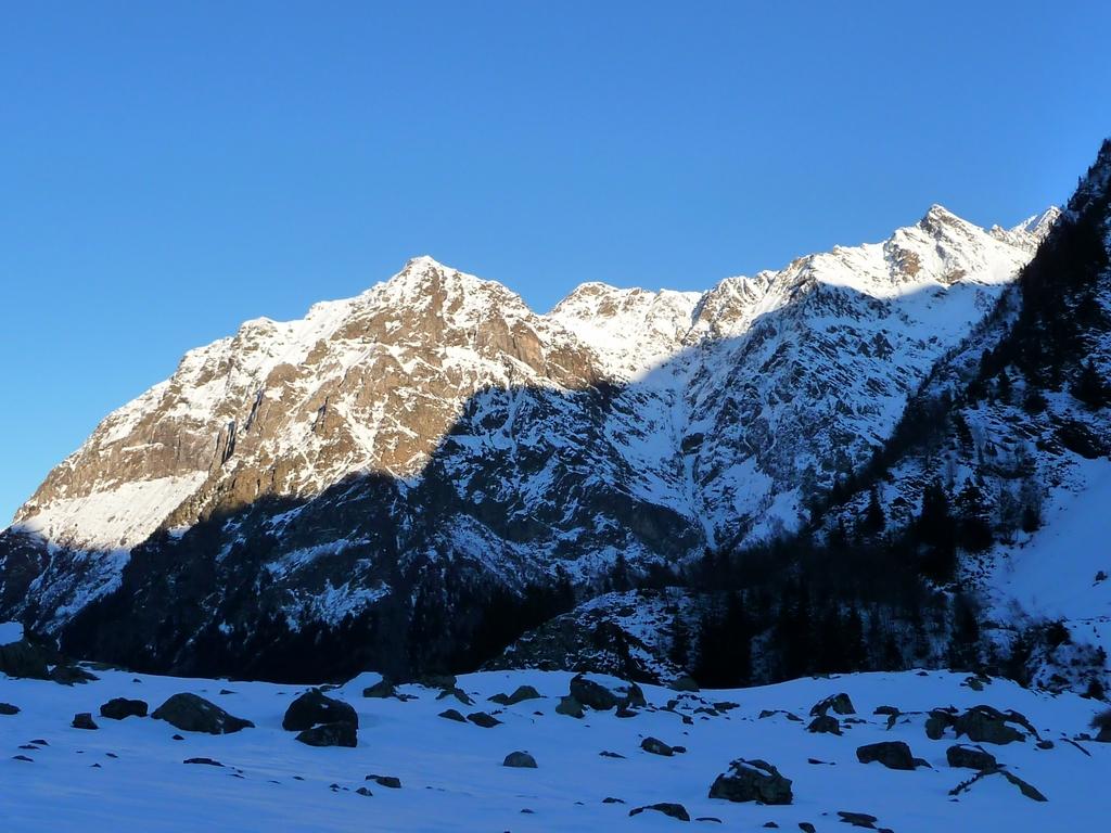 sur-plateau-ambiance-austere-et-sauvage-vallon-la-pez