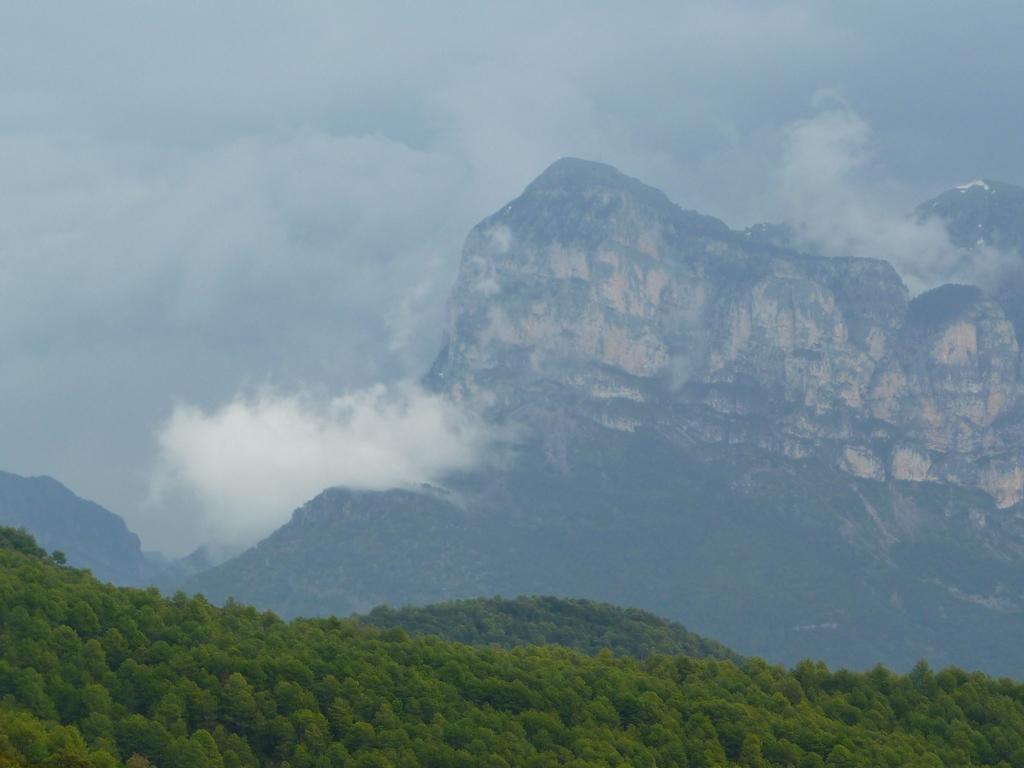 ciel-orage-sur-pena-montanesa-a-san-vicente-de-labuerda
