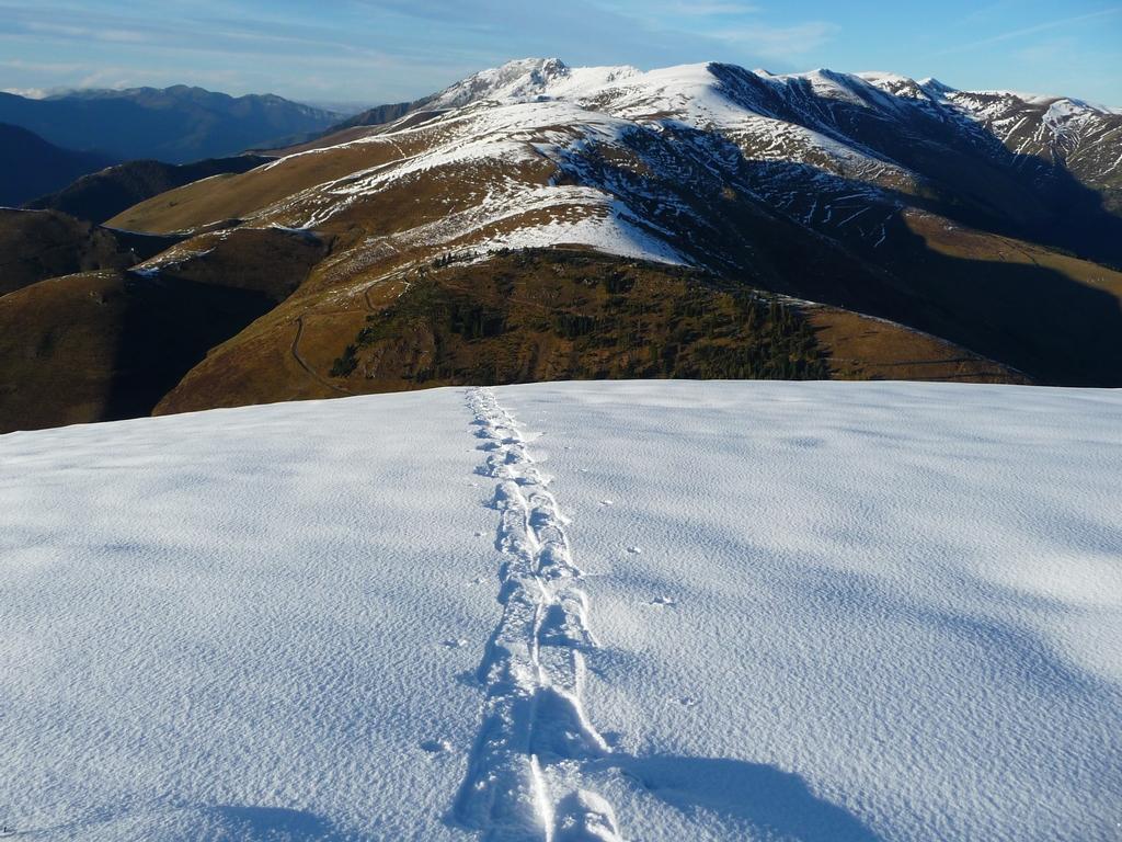 versants-sud-degarnis-mais-ailleurs-bien-neige-rechaussons-donc-les-raquettes