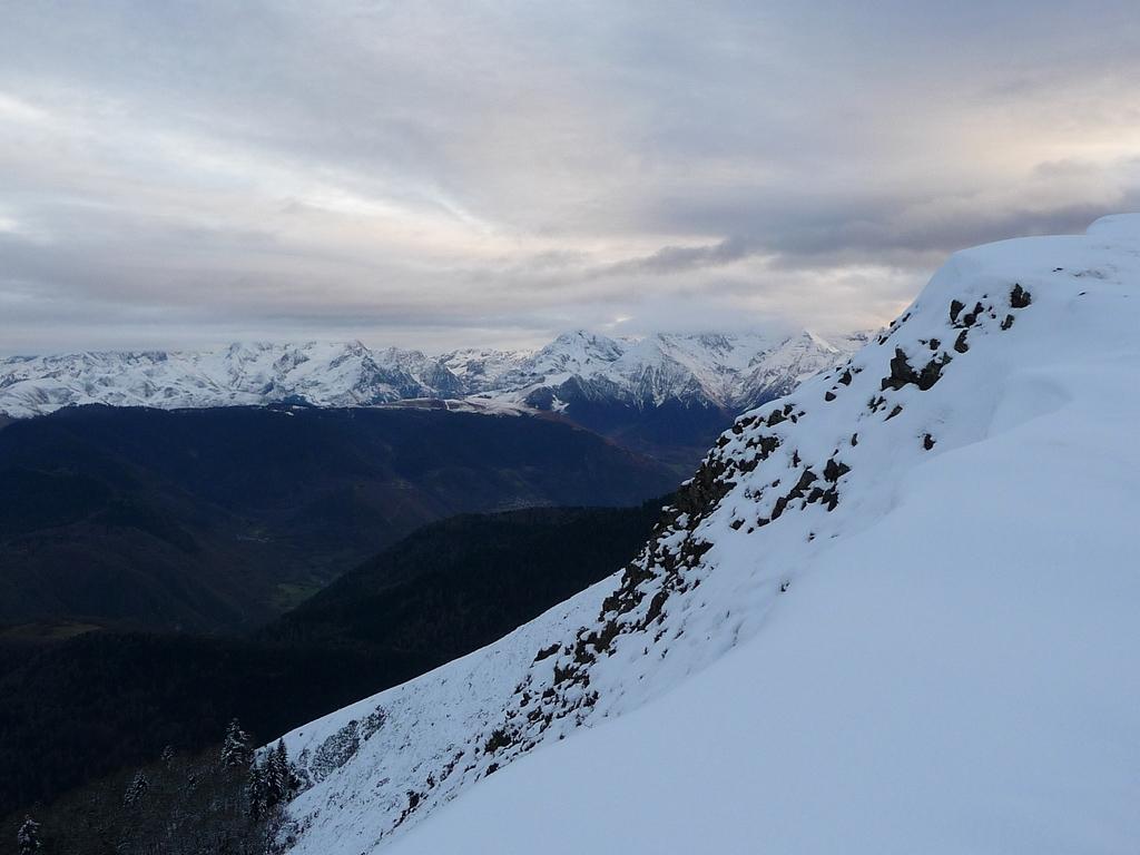 une-vue-peu-avant-sommet-plo-del-naou-sans-trop-de-neige