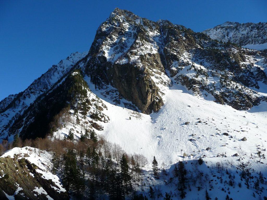 a-entree-vallon-la-pez-en-randonnees-vallee-louron