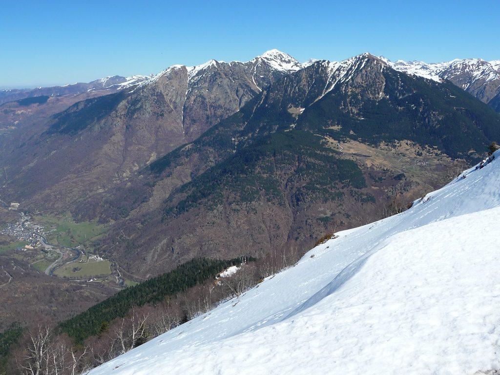 regard-vers-espagne-depuis-sommet-pic-aubas-sur-crete-frontaliere-pic-aubas-pic-arres