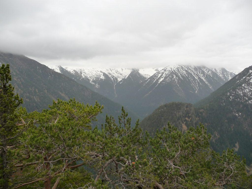 des-sommets-qui-ont-perdu-tete-grisailles-rioumajou