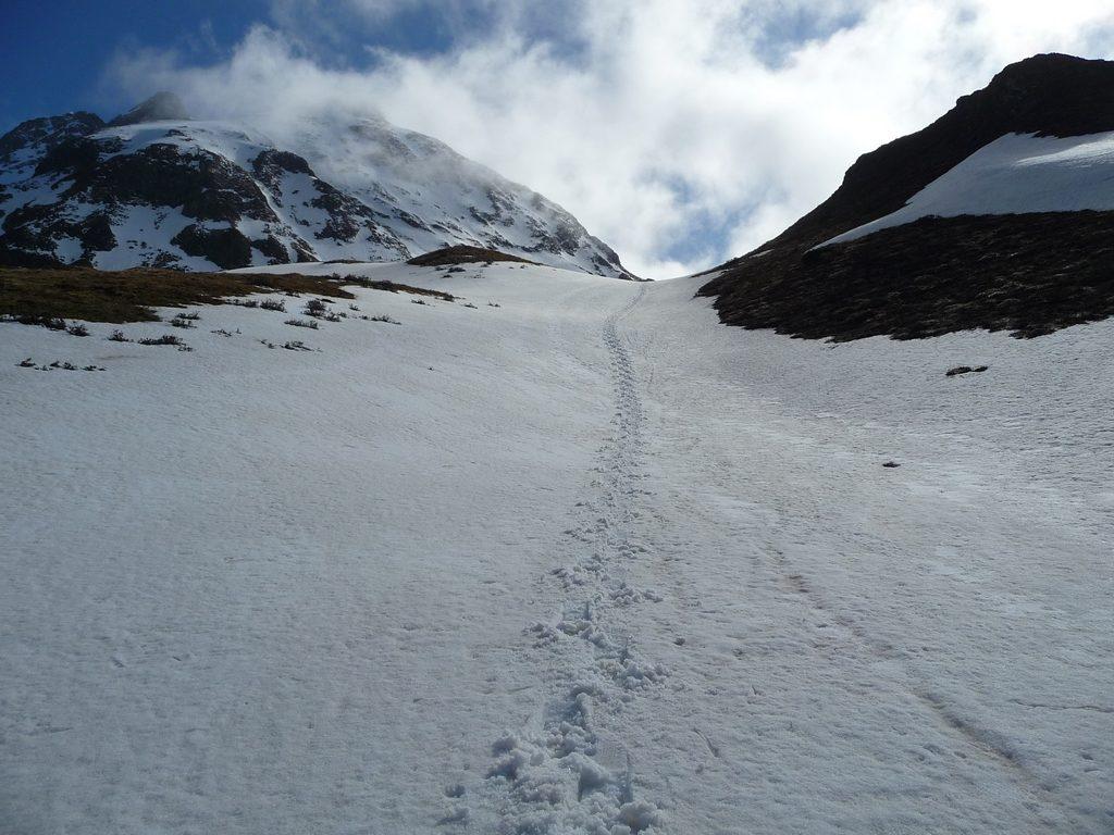 champs-neige-durant-descente-dans-val-aube