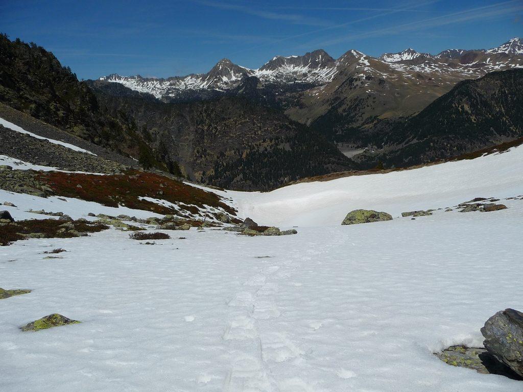 regard-en-arriere-vers-bastan-oule-espiaube-boucle-traoues-vipere-neige