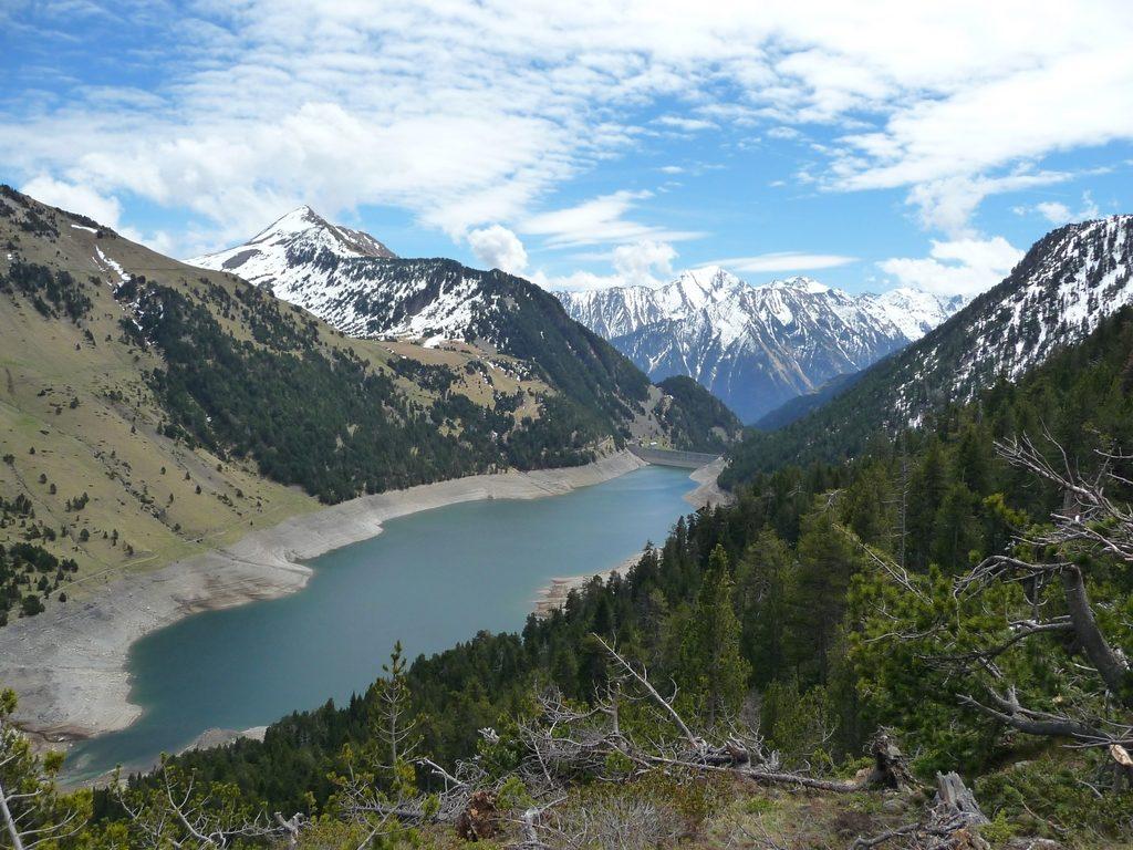 lac-oule-vu-montant-cascaret-destination-raquettes-vallon-estibere