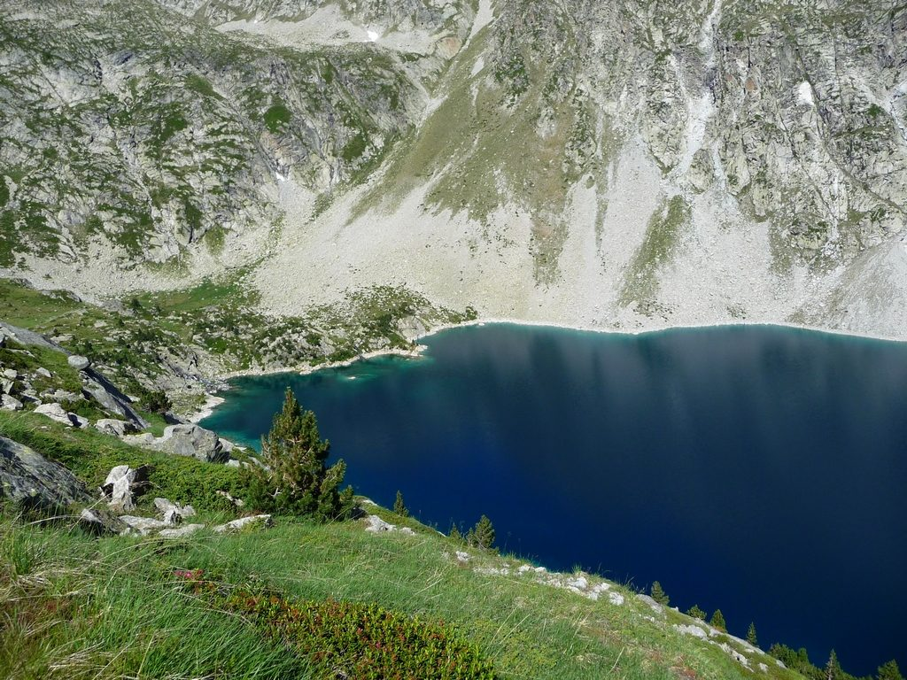au-bout-lac-montagne-cap-long-pic-campbieil-ascension-beau-3000