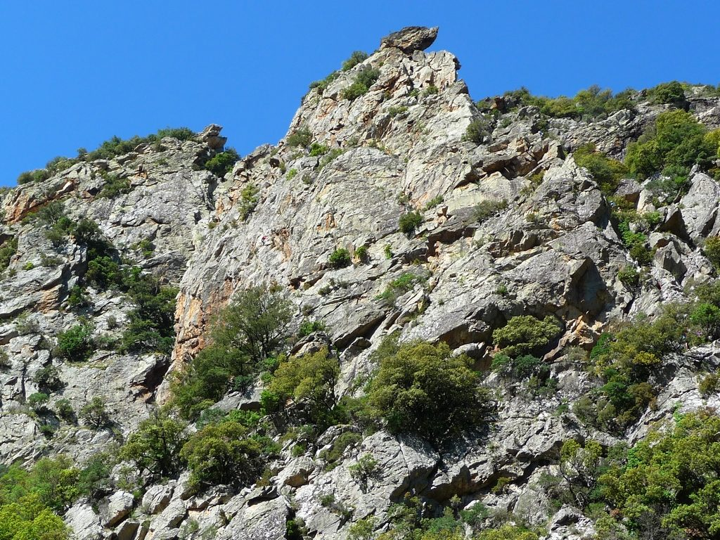 falaise-tete-braque-gorges-heric-caroux
