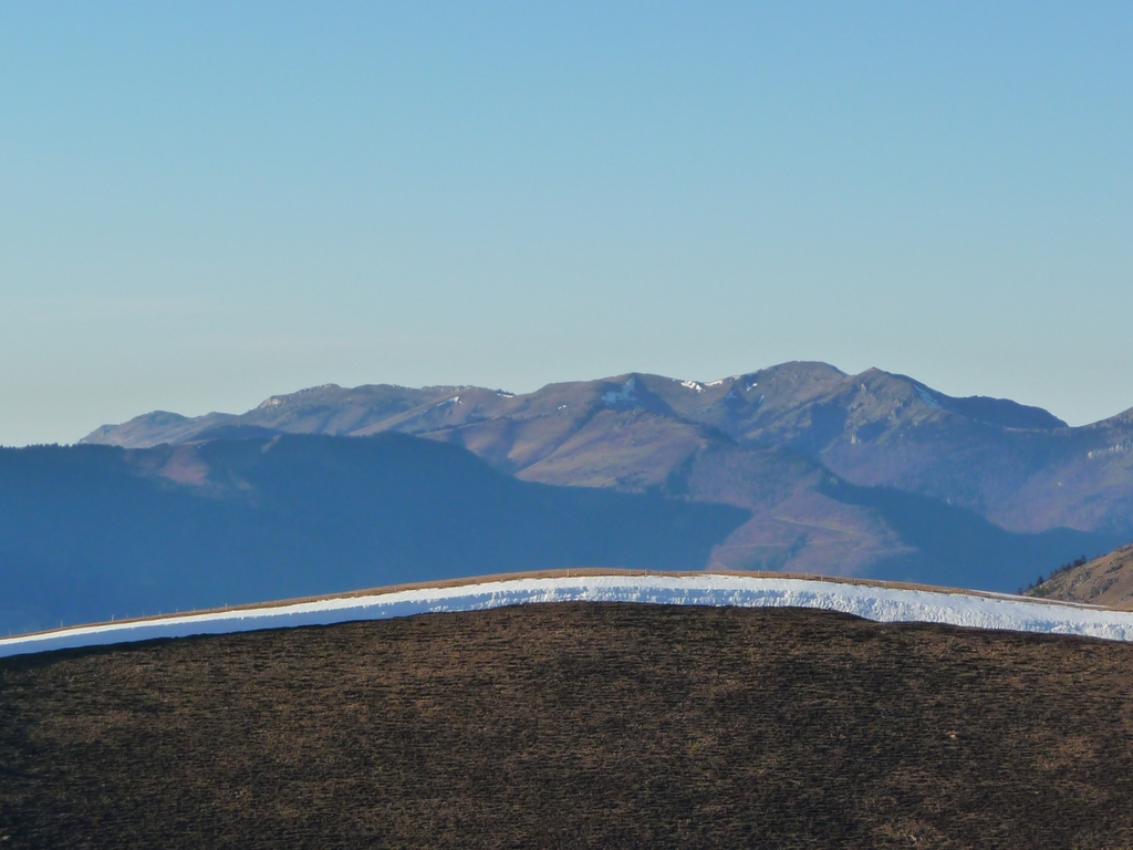 bande-neige-paysage-tres-peu-hivernal-bande-neige-pouyaue