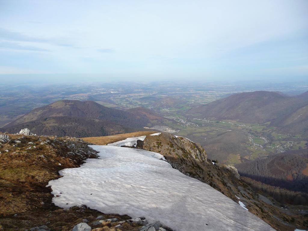 sortie-vallee-aure-sur-crete-bassia-dominicale-et-tres-peu-hivernale